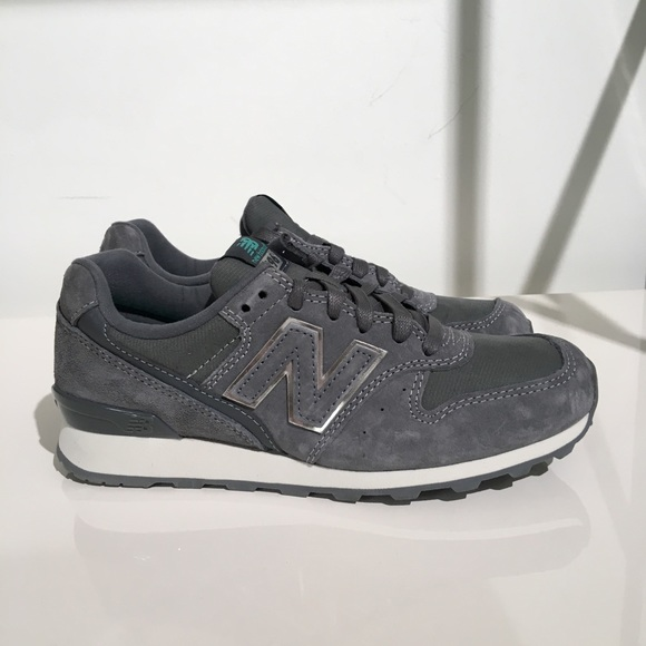 New Balance 996 Suede Trainers In Dark Grey size 5